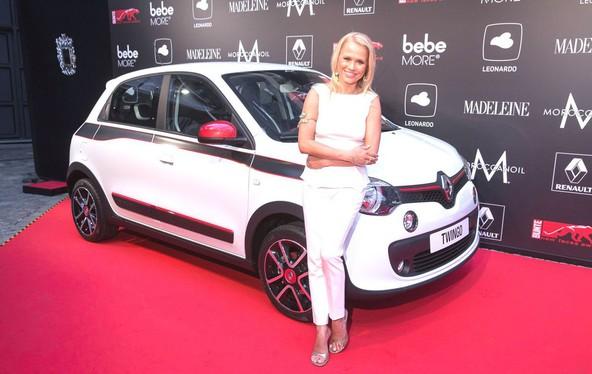 Twingo v družbi 40-letne igralke in moderatorke Nove Meierhenrich