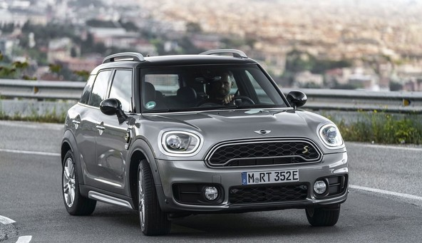 Mini cooper S E countryman All4: Hibridni mini ne mara zime in dolgih potovanj