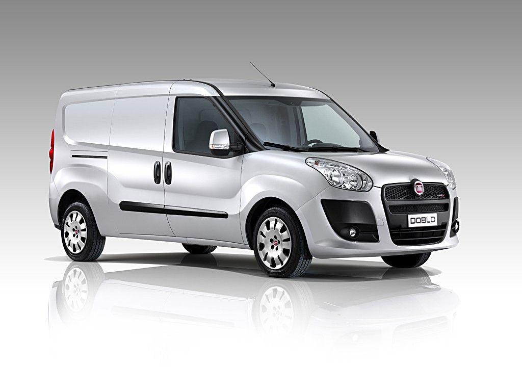 "international van of the year 2011"": novi fiat doblò cargo je"