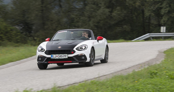 Abarth 124 spider 1.4 multiair turbo 170 aut officine abarth: Carlo bi prikimal!