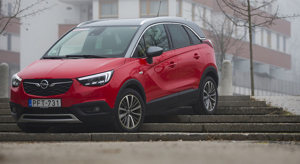 Opel crossland X 1.2 turbo 96 kW innovation: Bencinar mu bolje pristaja