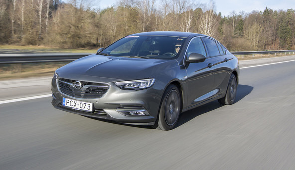 Opel insignia grand sport 1.5 turbo dynamic: Živel bencinar!